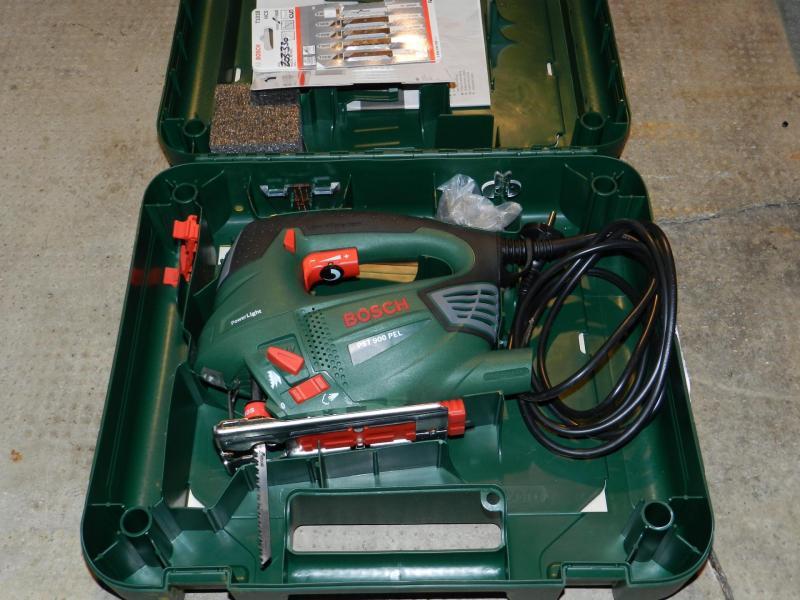location d'outillages électrique de découpage / sciage / soudure
